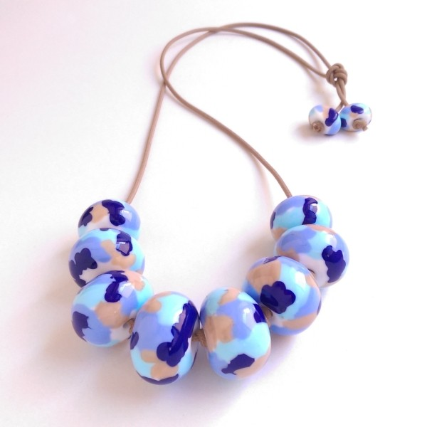 Multicoloured beaded necklace in blue