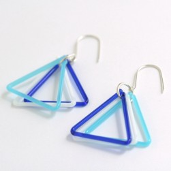 Mini triangle trio earrings in cobalt and white - Avril Bowie