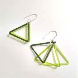 Mini triangle trio earrings green - Avril Bowie